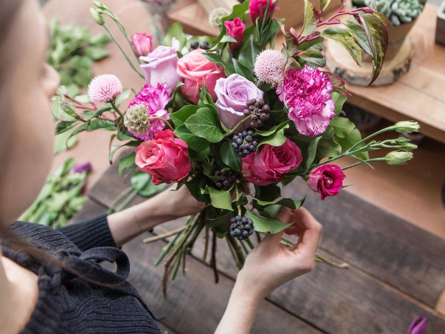 Заказ цветов и услуги флористов