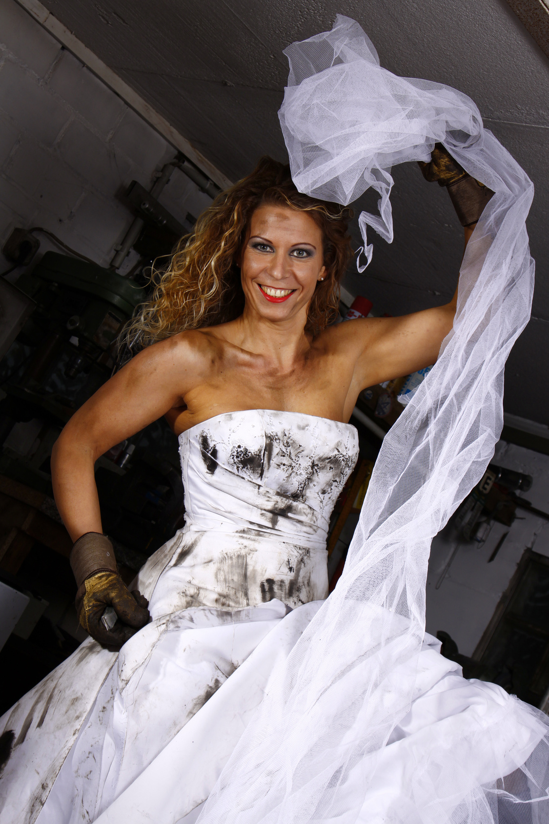 Davids Bridal - Used Clothing