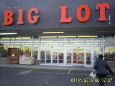 Big Lots - Big Lot really doesn't care about customers!
