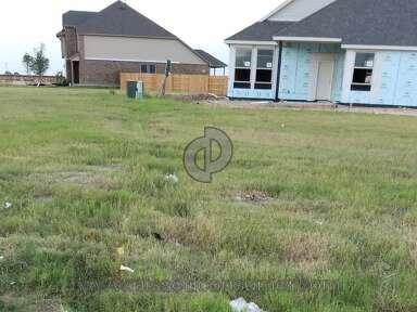 Pulte Homes - Trash in Neighborhood
