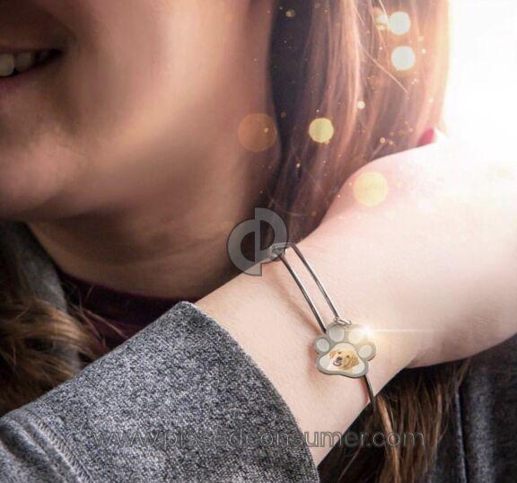 Pictures On Gold Bracelet