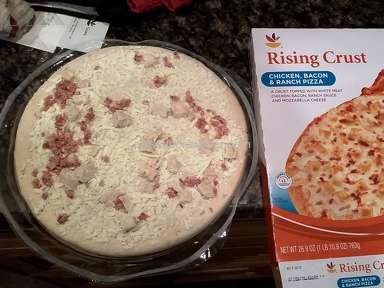Foodhold Usa - Rising crust pizza does not look like the photograph on cover!