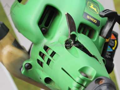 John Deere - J.D. Edger & Trimmer S1400 very dangerous tool.