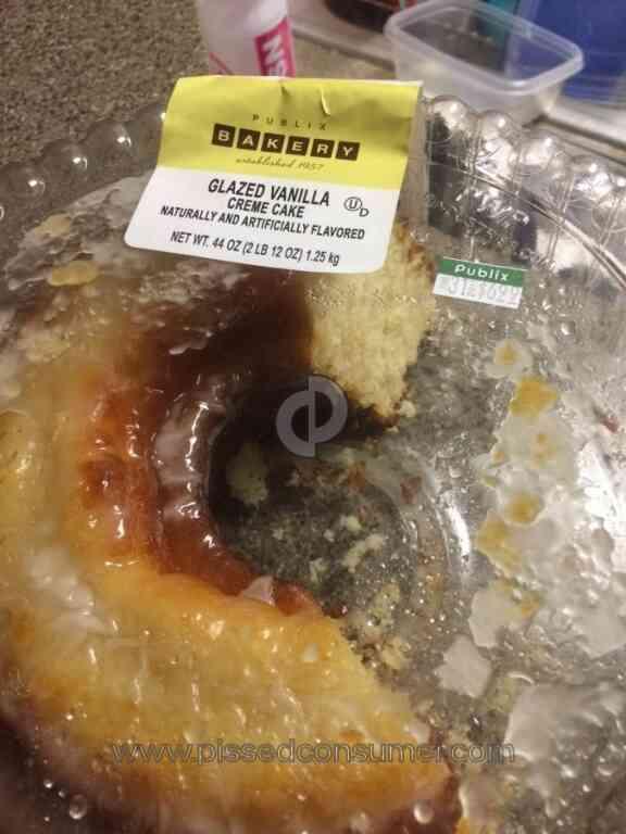 Publix Glazed Vanilla Creme Cake Review from Orlando