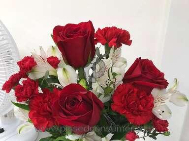 Teleflora Red Haute Bouquet review 263772