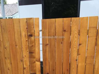 Lowes - Vinyl Fence installation