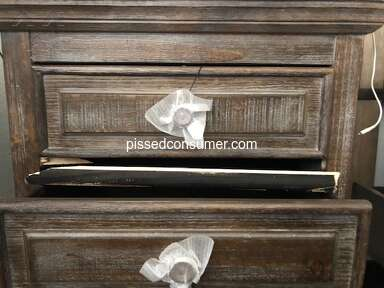 Ashley Furniture Furniture and Decor review 943008