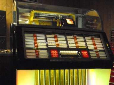 Vintage Amusement Company Amazing Restoration Of Seeburg Jukebox