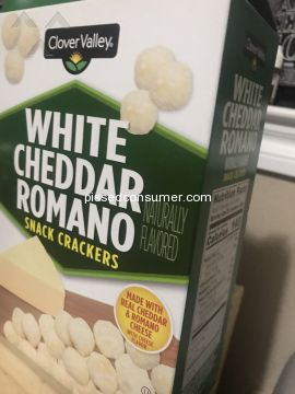 Clover Valley White Cheddar Romano Snack Crackers