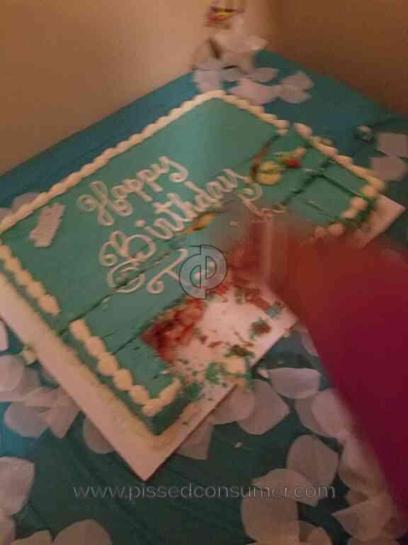 Marianos Ruined Birthday Cake Apr 28 2017 Pissed Consumer