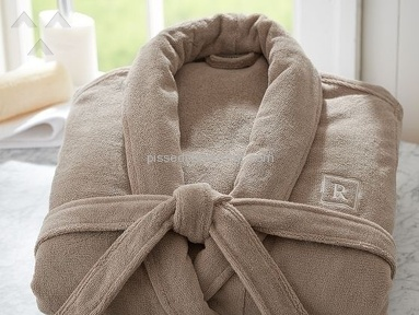 Pottery Barn Classic Terry Robe in Truffle that smelled like truffles