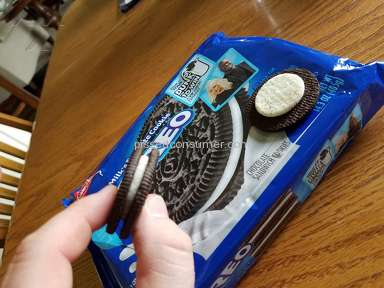 Oreo - Where the heck is the filling. And false advertising on the label to what is in side....