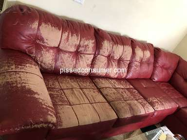 Rooms To Go - Sofa pealing