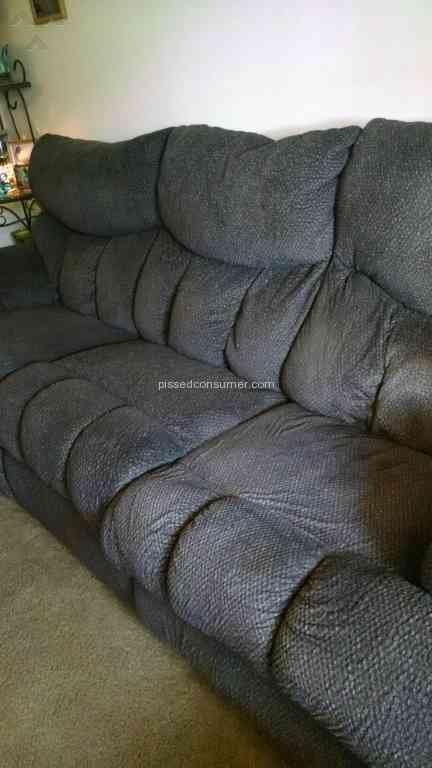 Southern Motion Furniture Lay Flat Fabric Sofa Review 139683