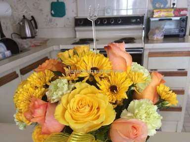 Teleflora Citrus Kissed Flower Arrangement Review