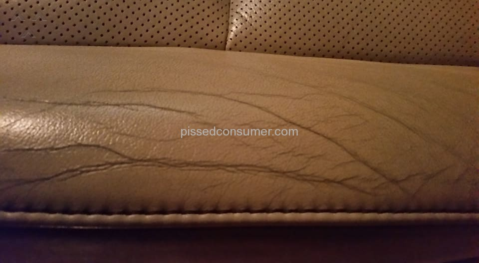 Lexus Front Driver And Passenger Leather Seats Are Cracking Feb 03 2020 Pissed Consumer