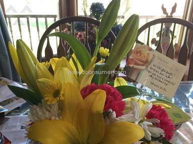 Wesley Berry Flowers The Perfect Cheer Arrangement review 130911