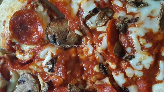 Pizza Hut Pepperoni And Mashroom Pizza