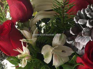 Avasflowers Holiday Flower Tree Arrangement review 183070